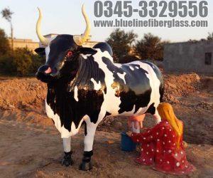women milking cow Fiberglass animals statues sculptures monuments karachi pakistan